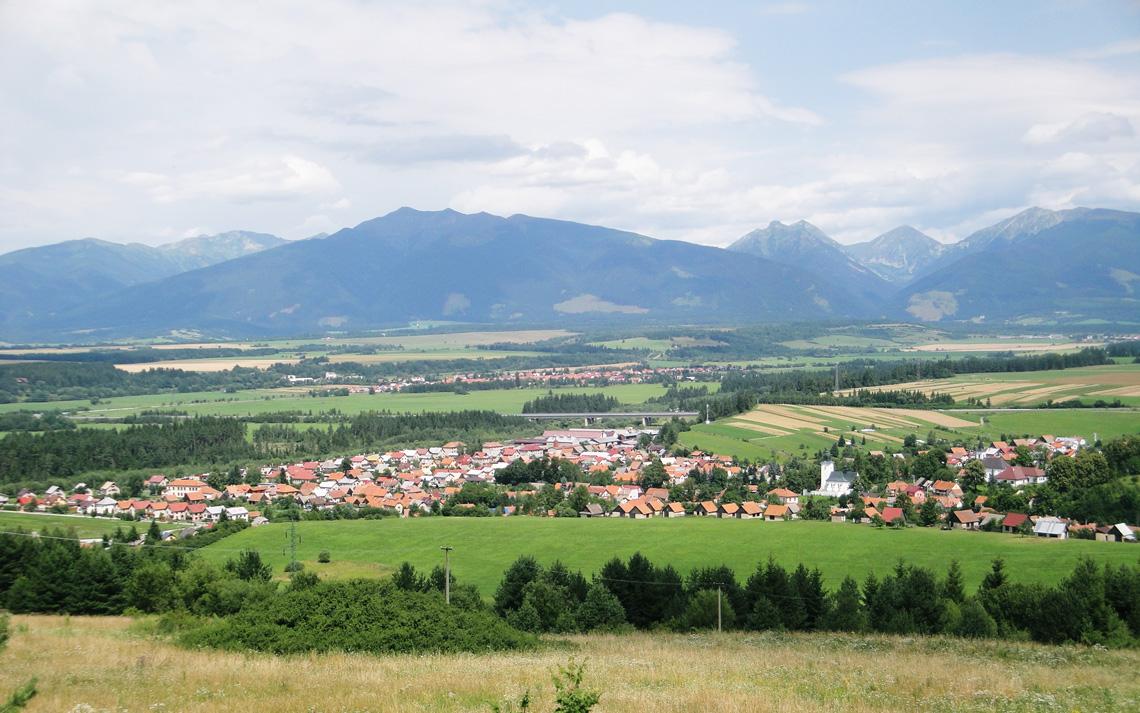 Dovalovo-Village-In-Summer
